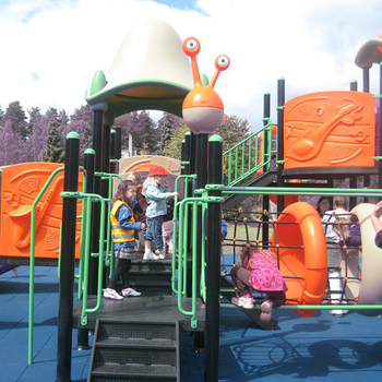 Pay attention to the customized standards of children's wooden outdoor amusement equipment